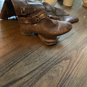 Vintage style nine west calf boots.